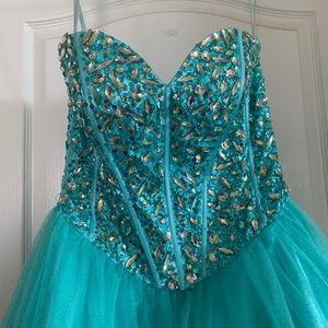Anny Lee Prom Dress